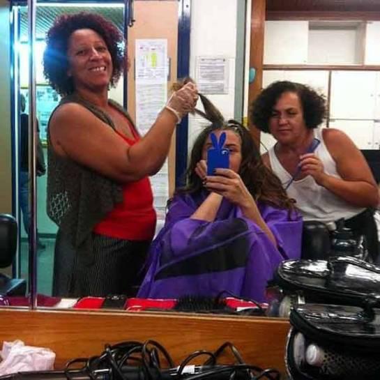 Giovanna Antonelli posta foto tingindo o cabelo