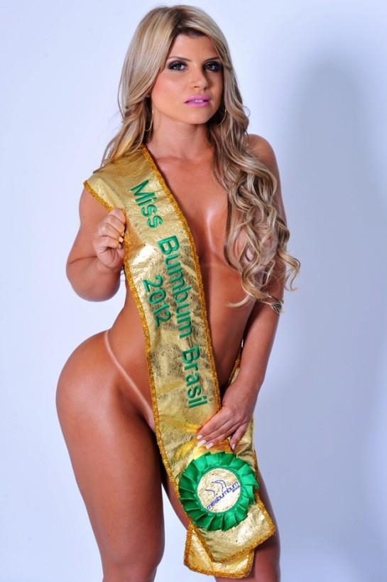 A loira tem o bumbum eleito mais bonito em 2012 (Foto: CO Acessoria/ Divulgação)