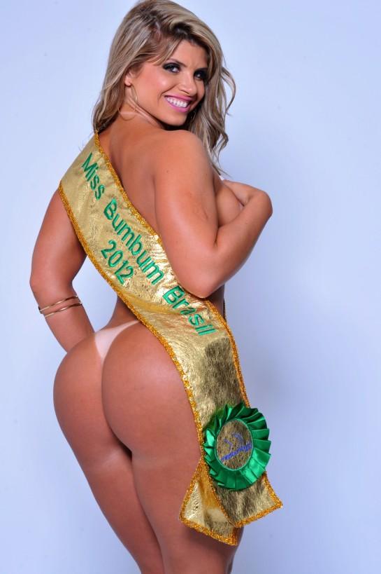 Miss Bumbum posa para a sessão 'Pin Up' da 'Sexy' (Foto: CO Acessoria/ Divulgação)