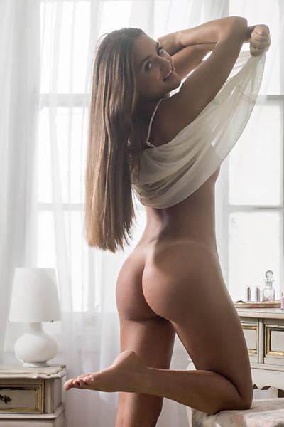 """Ingrid Migliorini no ensaio de janeiro da """"Playboy"""""""